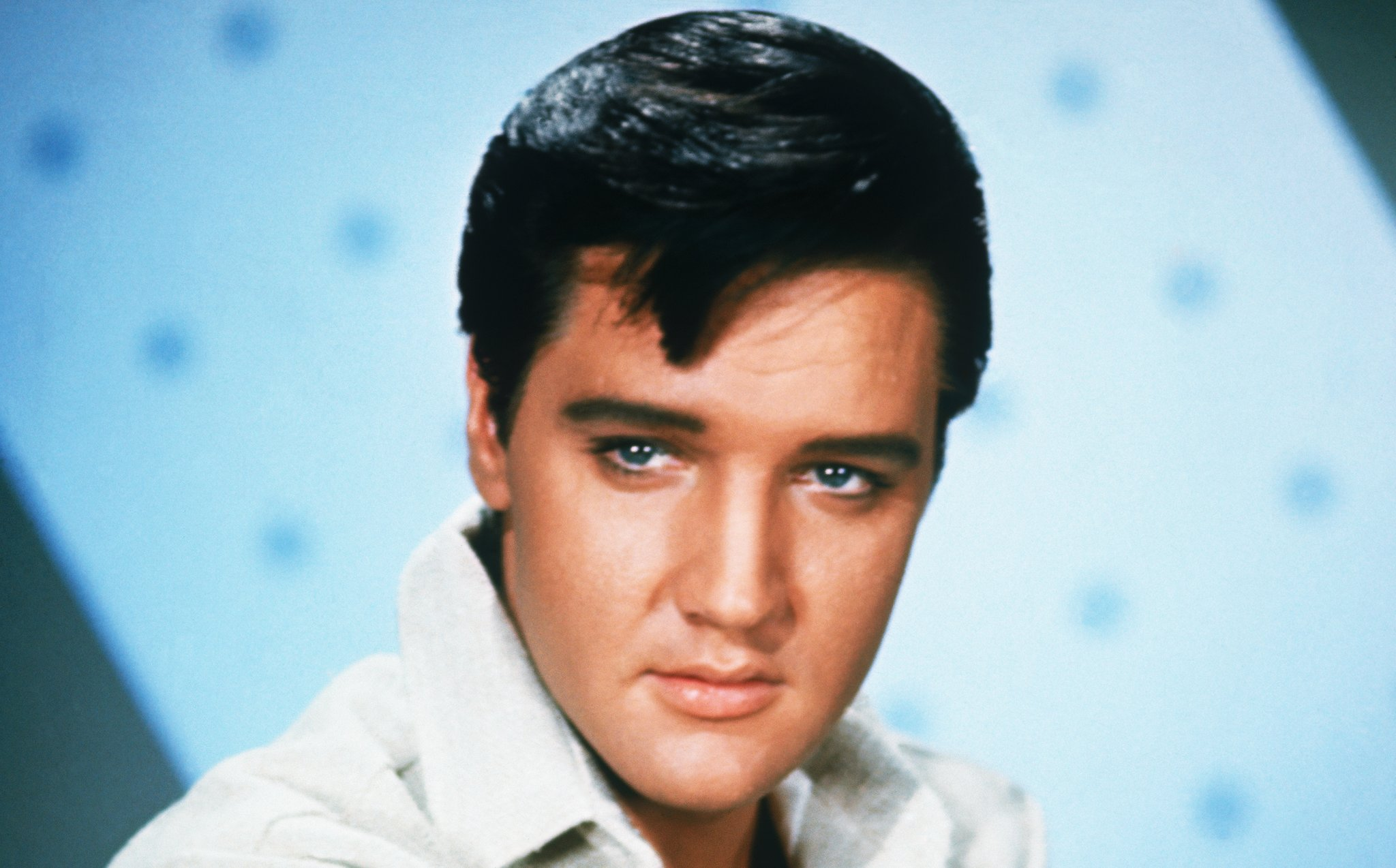 The Details Surrounding Elvis Presley's Death Will Still Upset You Nearly 40 Years Later