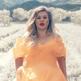 "Kelly Clarkson's ""Love So Soft"" Video Is the Most Gorgeous Thing You'll See All Week"